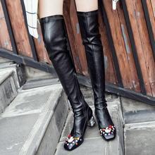 Neue mode winter oberschenkel hohe stiefel karree med diamant ferse perlen nieten frauen marke schuhe über das knie strecken stiefel