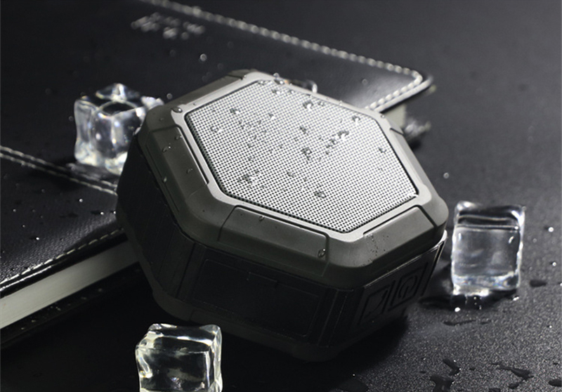 M&J IP67 Waterproof Mini Bluetooth Speaker With Powerful Sub Woofer For Outdoors 9