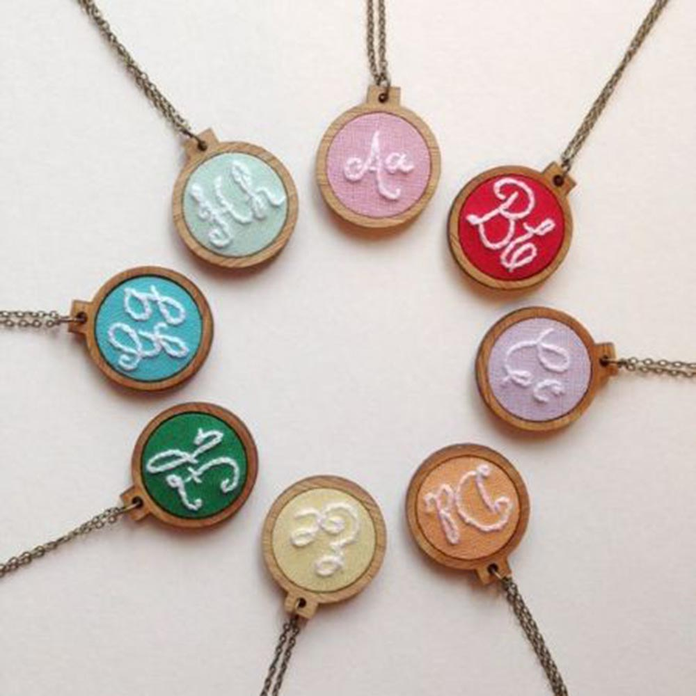 Mini Embroidery Hoop Wooden Embroidery Frame Small Hand Stitching Hoop Cross Framing Hoop Necklace DIY Crafts Gift Earring