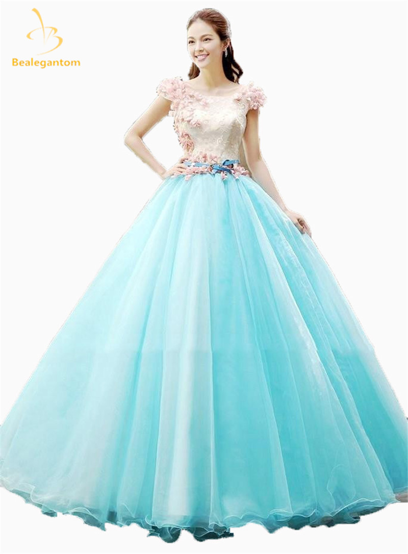 2017 Hot Sell Sexy Scoop Quinceanera Dresses Ball Gowns With Beading ...