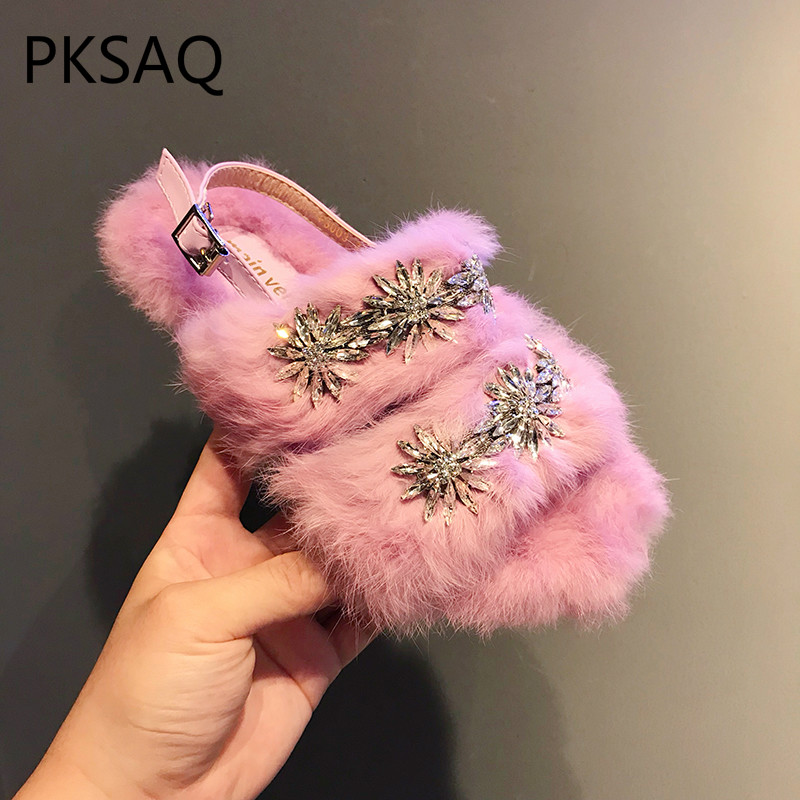 Autumn Winter New Fashion Women Woolen Slippers Wearing Outdoor Model Show Street Photo Ladies Flat-bottomed Sandals Flat Shoes