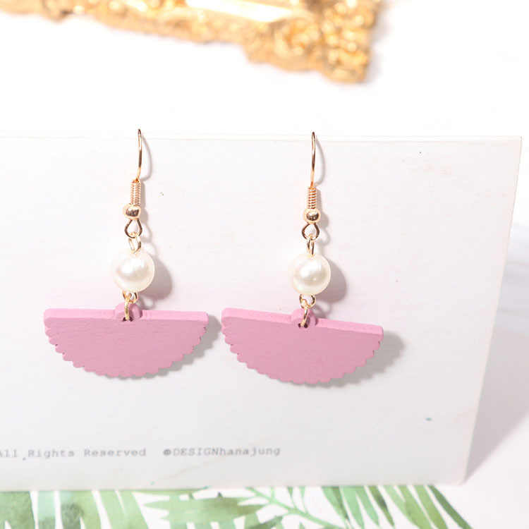 Kayu berkualitas tinggi Korea gaya baru anting mutiara panjang anting fan sederhana busana lucu gadis perempuan perhiasan grosir hadiah