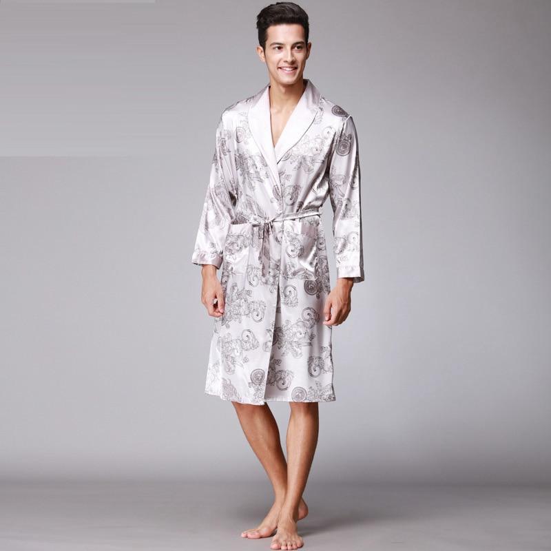 2017 Top Grade Neue Retro Mode V Neck Homewear Langarm Nacht-robe Weiche Glatte Gefälschte Seide Pyjamas Für Männer Mit Druck