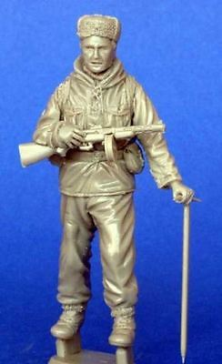 Assembly Unpainted Scale 1/35 Soviet Mountain Soldier STAND Historical Miniature Resin Model Garage Kit