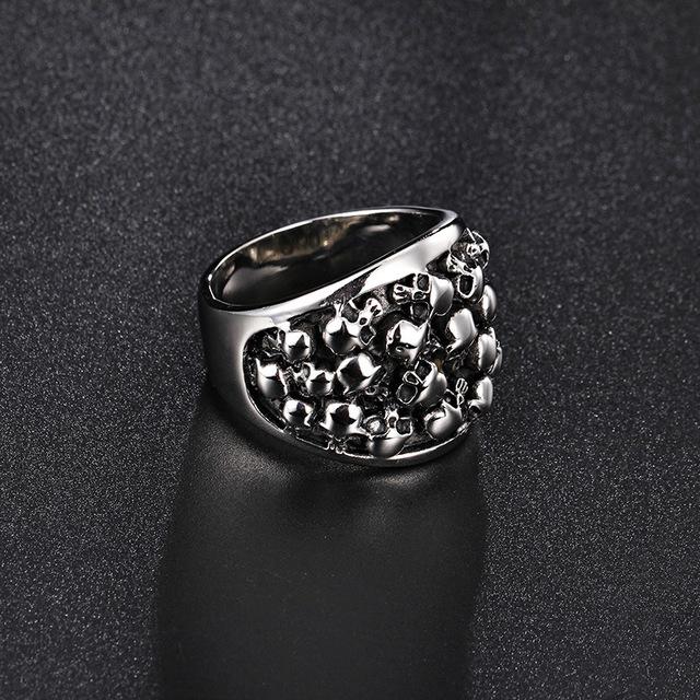 Crypt skull ring