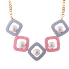 Popular Geometric Women Necklace Statement Necklaces & Pendants Acrylic Beads Trendy Ladies Collar Choker Jewelry