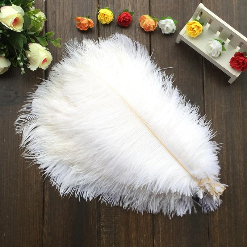 送料無料/50ピースロット白高品質の天然ダチョウの羽12〜14インチ30〜35センチ  グループ上の ホーム&ガーデン からの 羽 の中 1