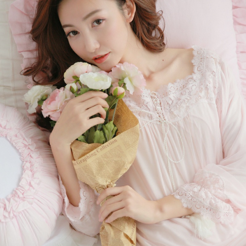 Womens Long Retro Palace Sleepwear Female Sweet Princess Sleeping Homewear Lady Lace Sexy White Pink Pajamas