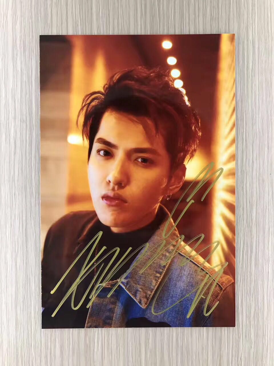 signed KRIS Wu Yifan  autographed  original photo 6 inches freeshipping  06201704 snsd yoona autographed signed original photo 4 6 inches collection new korean freeshipping 03 2017 01