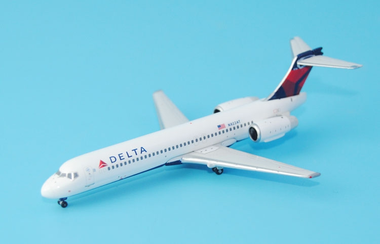 Gifts New Gemini Jets 1: 400 GDAL 1585 Delta Air Lines 717-200 N922AT Alloy aircraft model Favorites Model fine special offer jc wings 1 200 xx2457 portuguese air b737 300 algarve alloy aircraft model collection model holiday gifts