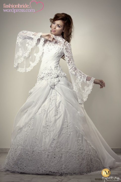Luxury Lebanon Crystal Lace Appliques Flowers Organza High Neck Wedding Gowns Bell Long Sleeves Dresses In Dubai From