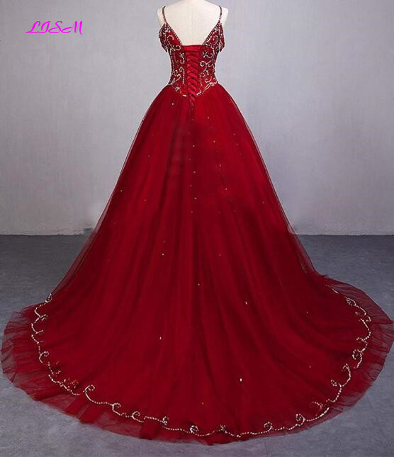 Luxury Crystals Ball Gown Quinceanera Dresses V-Neck Sequins Sweet 16 Dress Straps Beading Tulle Party Gowns vestidos de 15 anos