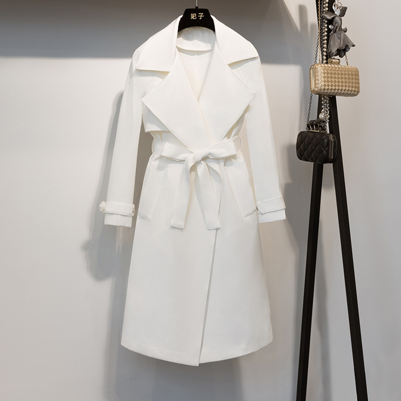 2017 Spring And Autumn Fashion New Fashion Long Lapel With Waist Belt Long Windbreaker Turn Down Collar White   Trench