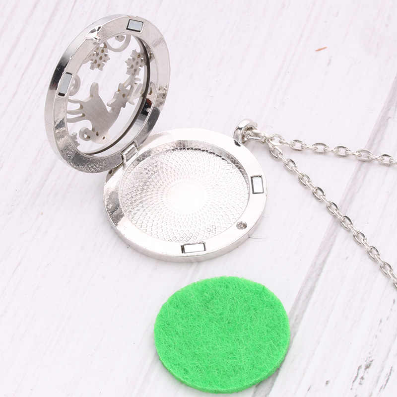 High quality small gecko pattern stainless steel metal aromatherapy box fashion pendant necklace wholesale + 2 felt SC2031