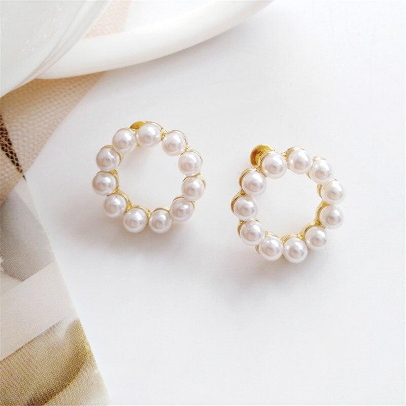 Simple geometry girl pearl Pearls Earring Jewelry Women Wedding Bridal Gift Shell Drop Earrings Party Statement The new earrings in Drop Earrings from Jewelry Accessories