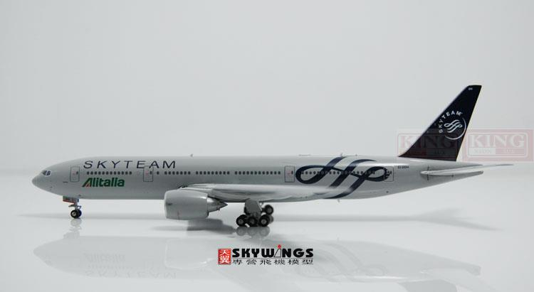 Phoenix 10653 Italy Airlines B777-200 EI-DDH SkyTeam No. commercial jetliners plane model hobby new phoenix 11207 b777 300er pk gii 1 400 skyteam aviation indonesia commercial jetliners plane model hobby