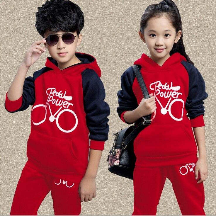 Одежда для маленьких мальчиков Новинка 2017 ребенка одежда для мальчиков и девочек комплекты топ с капюшоном с буквенным принтом пальто + Шта...