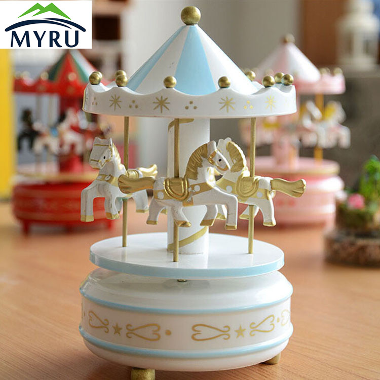 Creative Carrousel Pattern Wooden Music Box Hand Cranked Decorative Castle In The Sky