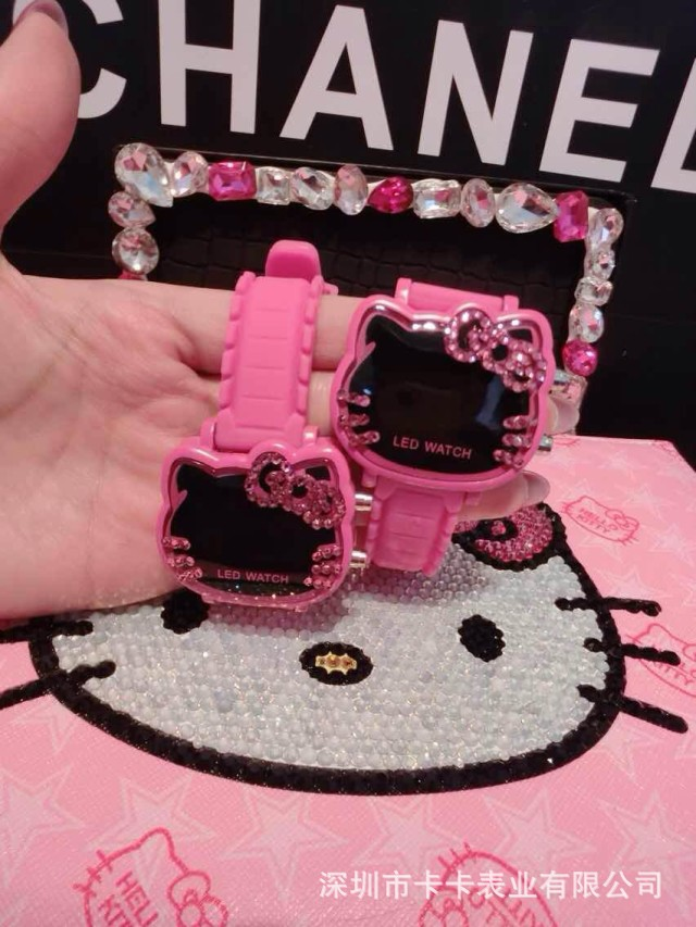 Costumes & Accessories Animation Hello Kitty Magnifier Clock Wrist Hello Kitty Pink Gemstone With Diamonds Watches Children Electronic Watch Cosplay