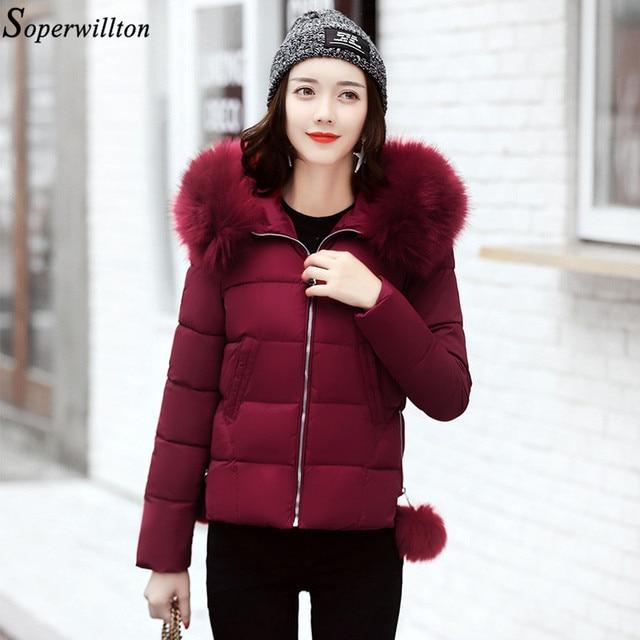 € 36.9 |2018 invierno mujeres chaqueta femenina con capucha Parka abrigo corto Delgado invierno abrigos Casaco femenino falso piel más tamaño p05 en