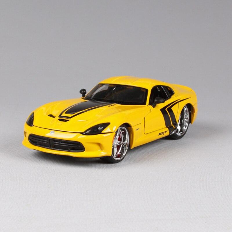 Maisto 1:24 Diecast Modèle 2013 SRT Viper GTS Jaune Alliage De Voiture En Métal Jouets cadeau modifié voiture simulation modèle Pour Collection