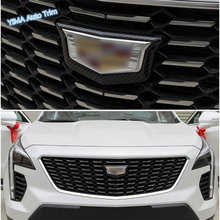 цена на Lapetus Car Styling Front Grille Grill Logo Frame Cover Trim 1 Pcs Fit For Cadillac XT4 2019 Red / Chrome / Carbon Fiber Style