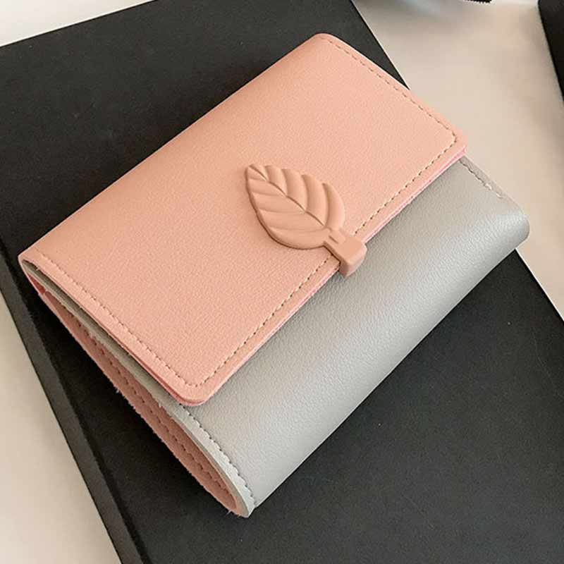 2018 New Lady Wallet Short Girl Simple Money Bag Leaf Student Buckle Seventy Percent Off Womens Wallet College Style OMADNN