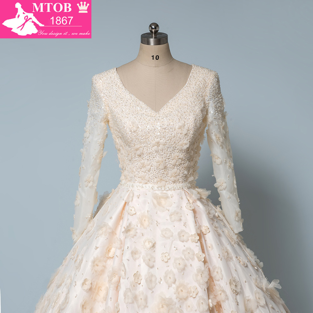 Luxury Shiny Crystals Beads Wedding Dress 3D Handmade Flower V Neck ...