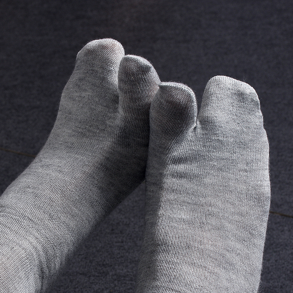 1 Pair Fashion Japanese Kimono Flip Flop Sandal Split Toe Tabi Ninja Geta   Socks