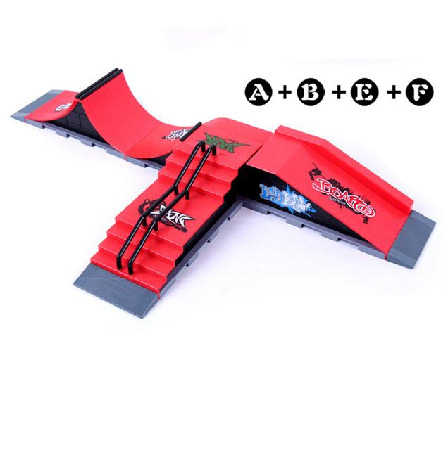 Modelo de Envío libre de A + B + E + F Mini Dedo Skate Rampa Parque Tecnología de Dos Pisos Skate Park incluye 4 Tablero Del Dedo
