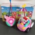 Caixa original Crianças RC Brinquedo Olá Kitty Cat KT Controle Remoto Doraemon Rosa do carro Elétrico Com Música e Luz Bonito Engraçado Caçoa o Presente