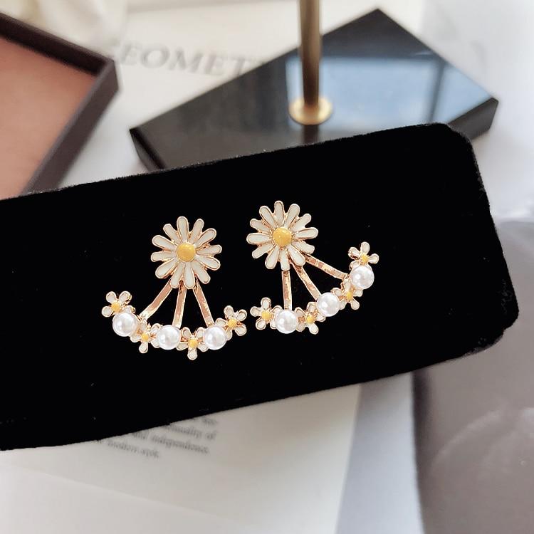 MENGJIQIAO 2018 New Trendy Jewelry Sweet Chrysanthemum Flower Cuff Earrings For Women Elegant Simulated Pearl Stud Earrings