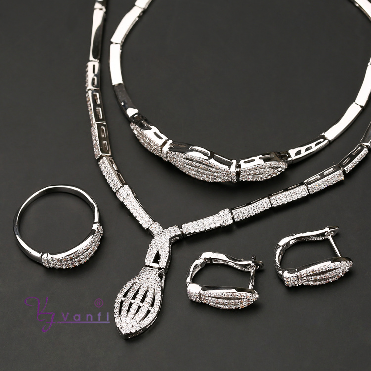 Hot Saling Accessories Wedding Choker Cubic Zircon Costume Dubai  Silver Gold Color Necklace Earrings Ring For Women Jewelry Sets 7416ee3a209d