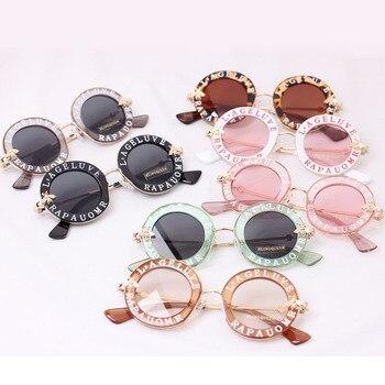 Anak 2018 BARU desainer Putaran Bingkai Sunglasses Anak Emas bee Anak Kacamata Kacamata UV400 Bayi Musim Panas Lucu Gadis Eyewear N80