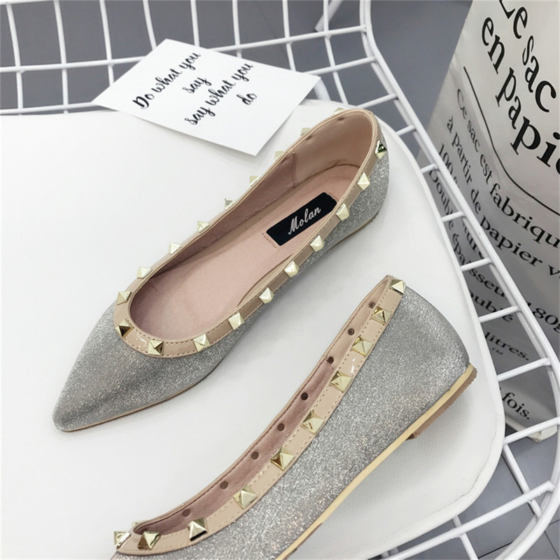 2017 Spring and Autumn New Fashion Women Rivet Flat Shoes With Pointed Toe Low Heel luxury zapatos mujer Slip On Loafers Casual  2017 women lady shoes flat heel spring autumn boat pointed toe slip on casual simple mixed color pink yellow blue black red