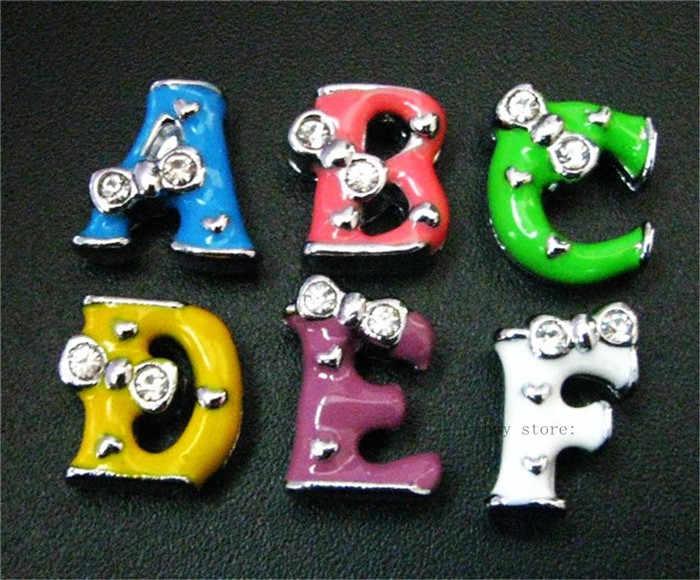 1pc A-Z 8mm 단일 색상 나비 넥타이 슬라이드 편지 슬라이드 매력 맞추기 DIY 팔찌 팔찌 애완 동물 목걸이 여성 쥬얼리