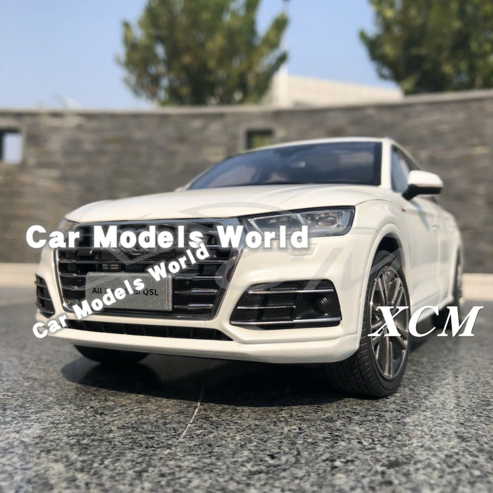 모든 새로운 q5l q5 l suv 1:18 (흰색) + 작은 선물을위한 다이 캐스트 자동차 모델!!!-에서다이캐스트 & 장난감 차부터 완구 & 취미 의  그룹 1