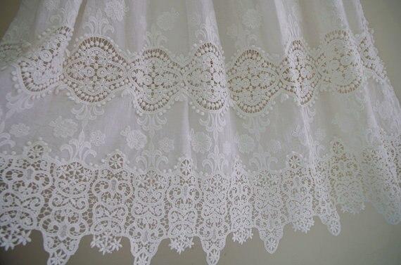 Tela de encaje blanco con estampado floral - Artes, artesanía y costura