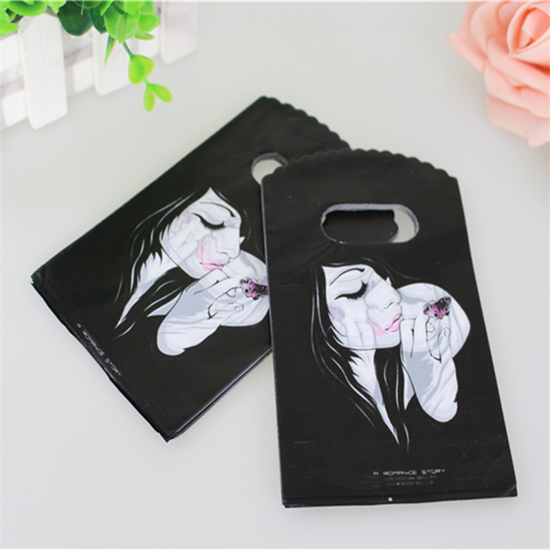 Hot Sale New Design Wholesale 50pcs/lot 9*15cm Good Quality Fashion Girl Mini Packaging Bags With Handles Small Shopping Bags