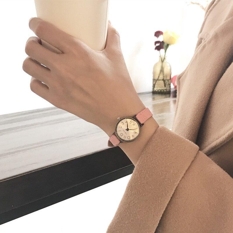 Модные стильные ретро Для женщин кварцевые наручные часы небольшой набор латунь Винтаж дамы часы браслет женский кожаный Повседневное часы