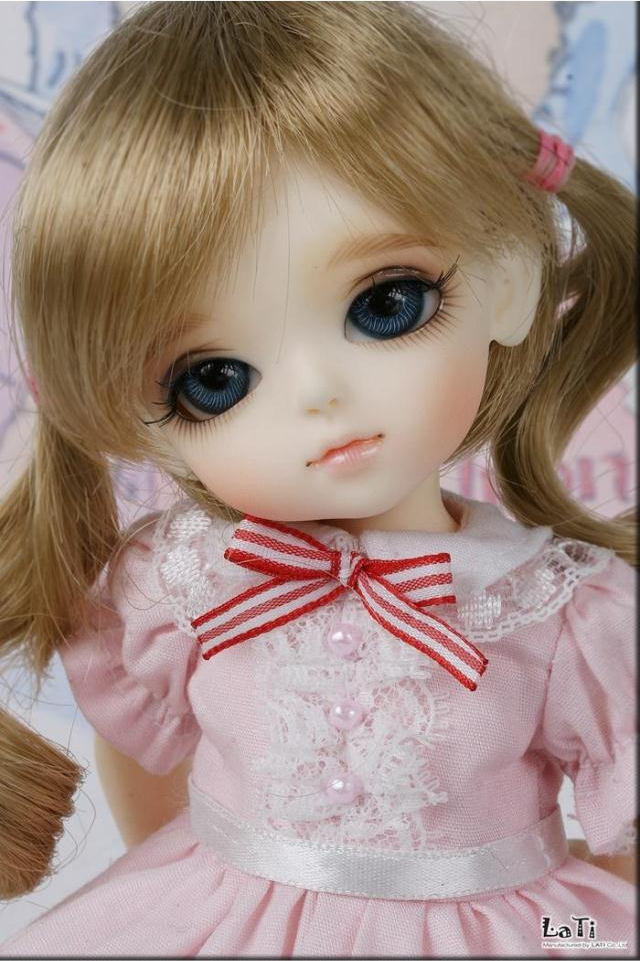 1/8 scale BJD about 15cm pop BJD/SD cute kid yellow Lumi Resin figure doll DIY Model Toy gift.Not included Clothes,shoes,wig