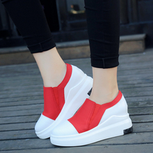 The new fall in the end of the high-end loose cakes within the high-color color Lok Fu shoes, a casual lazy women's casual shoes