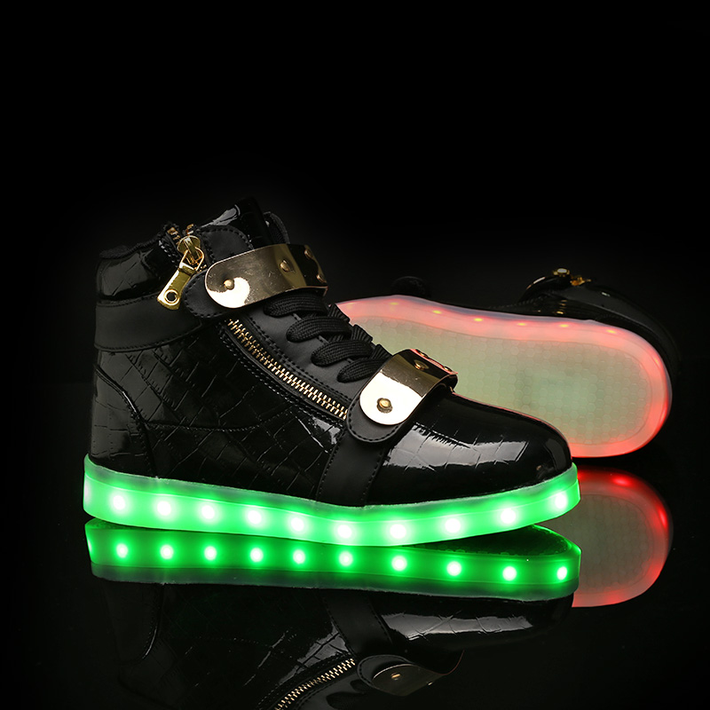 NEUE Kinderschuhe arbeiten PU-Leder-Jungen u. Mädchen-Turnschuhe 7 bunte LED-Lichter mit USB-nachladbaren Schuhen für Chirld u. Erwachsenen um