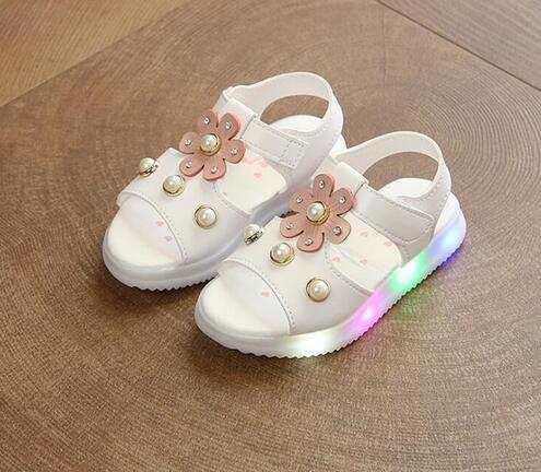 Glowing Light 2018 Summer New Childrens Fashion Cute Sandals With Flowers Breathable Girl LED Sandals EU Size 21-30