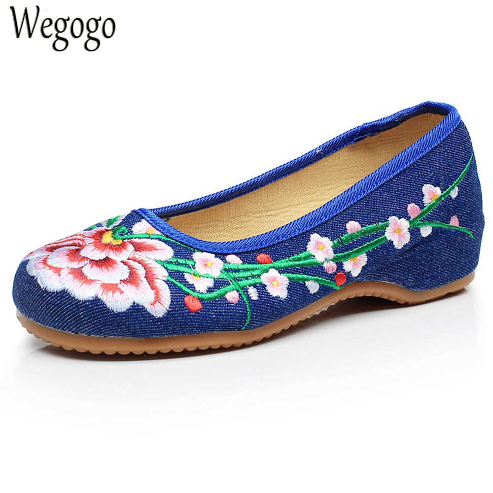 Women Flats Chinese Retro Floral Embroidery Cloth Shoes Old Beijing Canvas Slip On Dance Ballet Shoes Woman Plus Size 41 women flats old beijing floral peacock embroidery chinese national canvas soft dance ballet shoes for woman zapatos de mujer