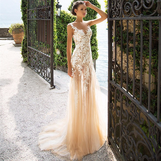 e79656a9eca9 New Champagne Bridal Gown 2018 V-neck Sleeveless Court Application Tulle  Robe de mariage Summer Mother of the Bride Dresses