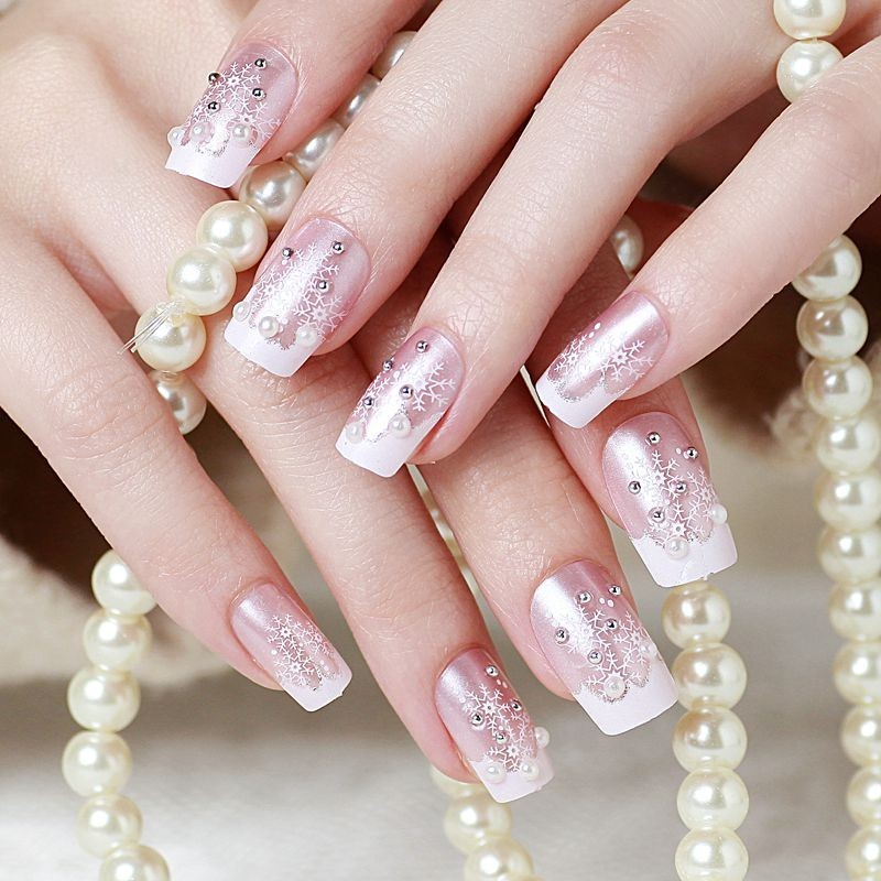 24pcs box finished product senior bride wedding fake nails normal length french manicure patch christmas series snowflake f107 in false nails from beauty