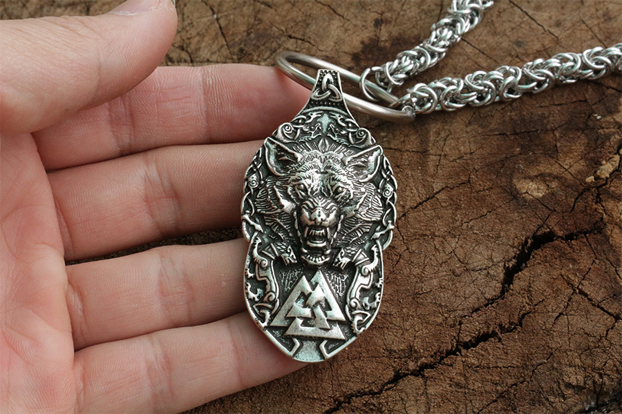 pewter norse wolf macht pendant museumreplicascom - 900×600