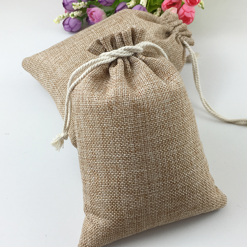 50pcs Vintage Natural Burlap Hessia Gift Candy Bags Wedding Party Favor Pouch Birthday Supplies Drawstrings Jute Gift Bags50pcs Vintage Natural Burlap Hessia Gift Candy Bags Wedding Party Favor Pouch Birthday Supplies Drawstrings Jute Gift Bags
