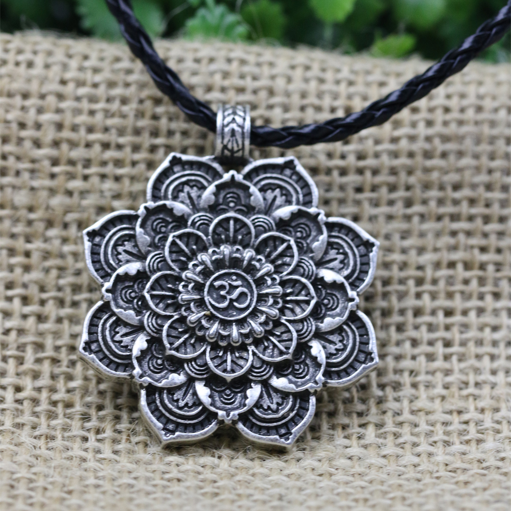 LANGHONG Tibet Spiritual Necklace Tibet Mandala pendant Necklace Geometry Amulet Religious jewelry langhong 10pcs the om necklace tibet mandala necklace tibet spiritual necklace geometry amulet religious jewelry